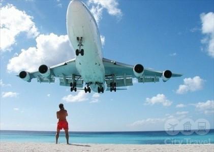 Как провожают самолеты в опаснейшем аэропорту мира