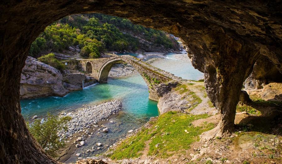 албания2