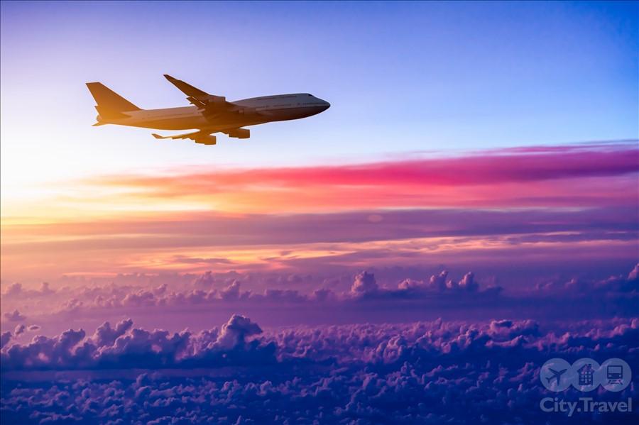 самолет в небе.1jpg